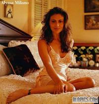 Alyssa Milano in lingerie