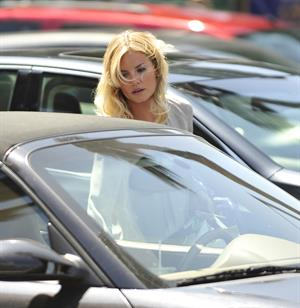 Elisha Cuthbert - Shopping in Los Angeles - July 31, 2012
