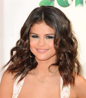 Selena Gomez Nickelodeons 25th Annual Kid's Choice Awards on March 31, 2012
