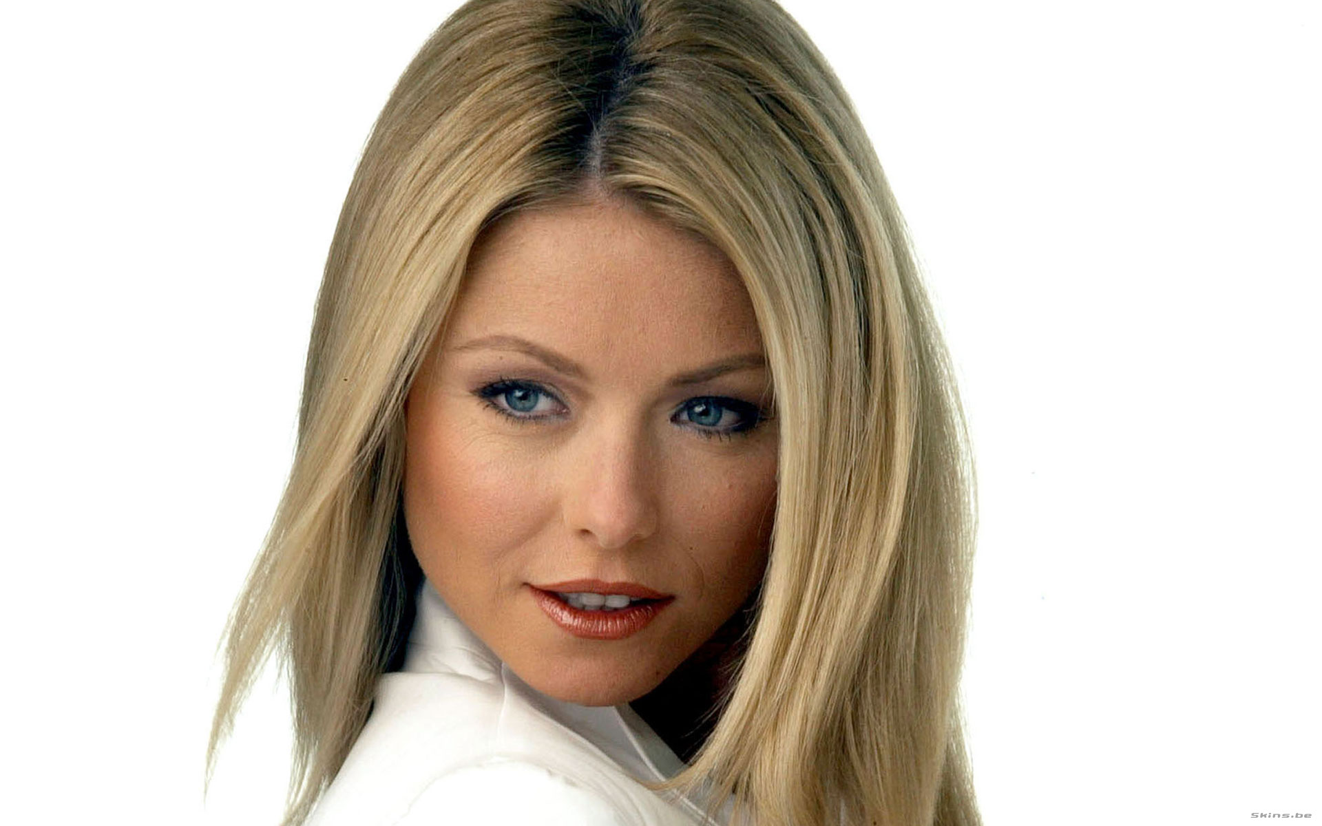Kelly Ripa had been performing in her senior high school play The Ugly Duckling when she was approached by her current manager Cathy Parker who