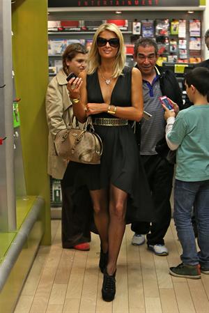 Paris Hilton arrives at LAX on January 25, 2013