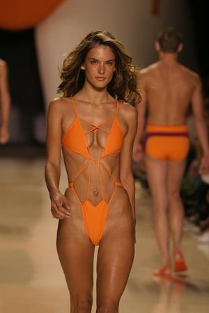 Alessandra Ambrosio orange bikini pics