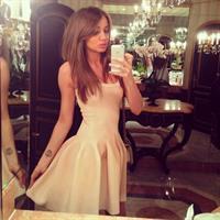 Daria Konovalova taking a selfie