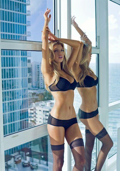 Melanie Ribbe in lingerie