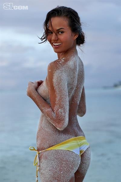 Chrissy Teigen in a bikini - ass