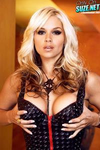 Sarah Vandella in lingerie