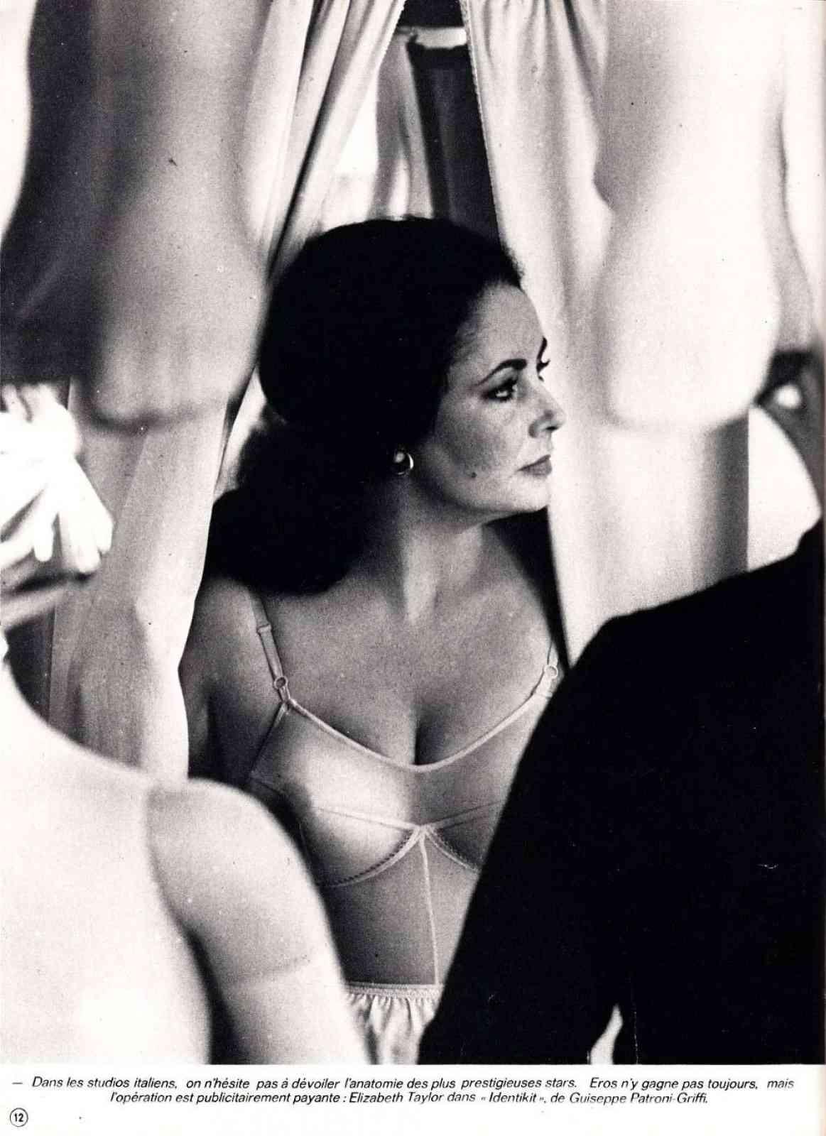Selma hiyak nude