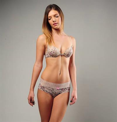 Ariel Eve Thompson in lingerie