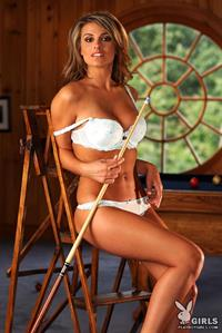 Aden Bianco in lingerie