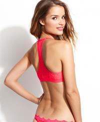 Roos Van Montfort in lingerie