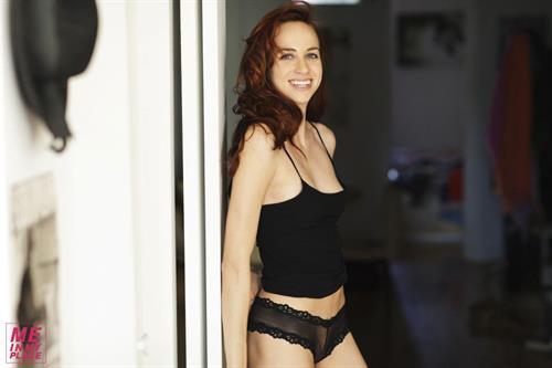 Sophie Saint Thomas - Esquire Me in My Place