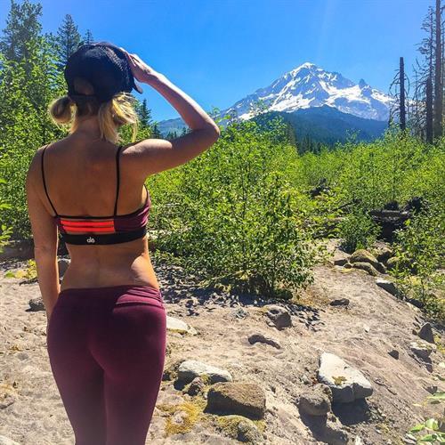 Sara Jean Underwood in Yoga Pants - ass