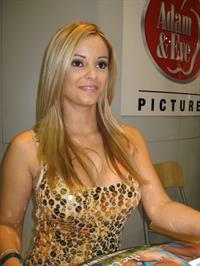 Carmen Luvana