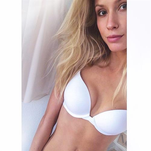 Kimberley Mens in lingerie taking a selfie