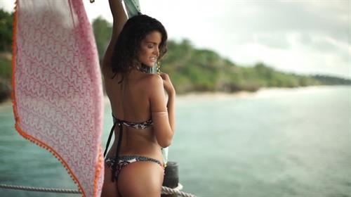 Sofia Resing in a bikini - ass