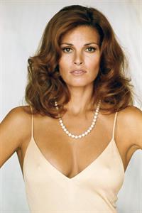 Raquel Welch - breasts