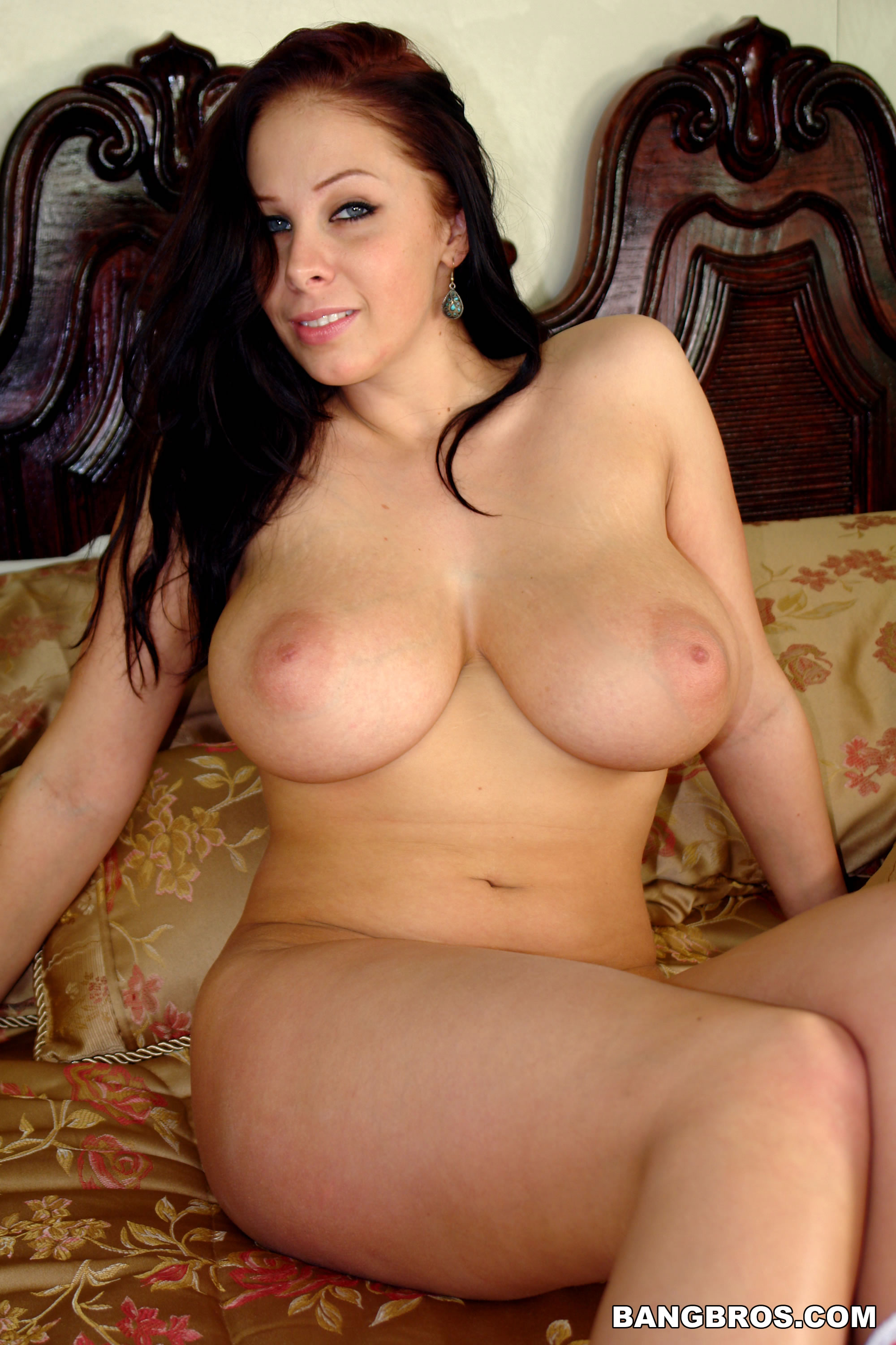 gianna michaels walking nude