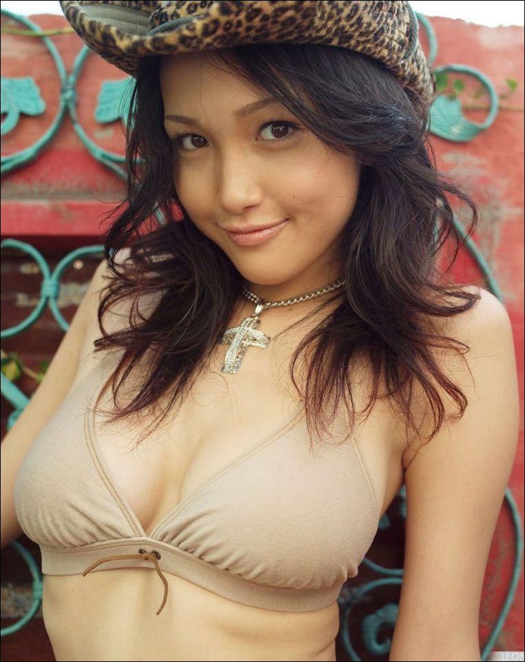 Reon Kadena in a bikini