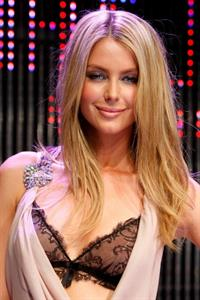 Jennifer Hawkins in lingerie