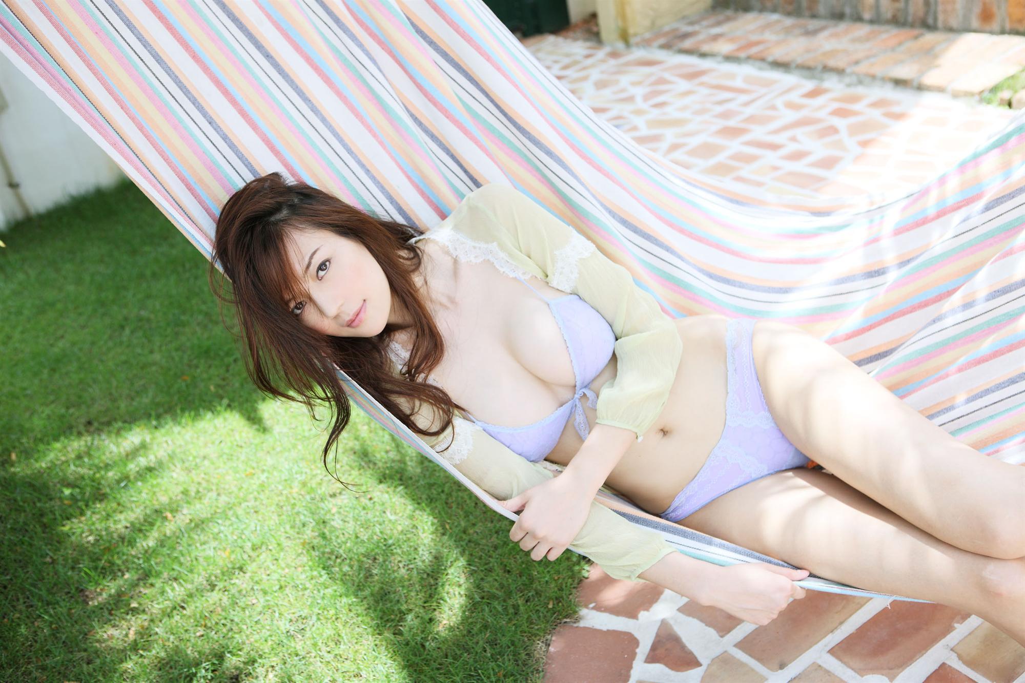 Cica Zhou in lingerie