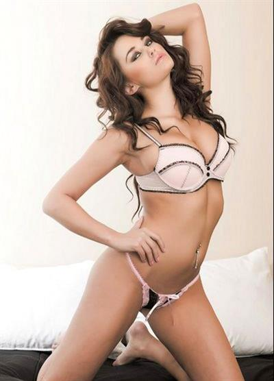 Jenna Mariah Balsley in lingerie