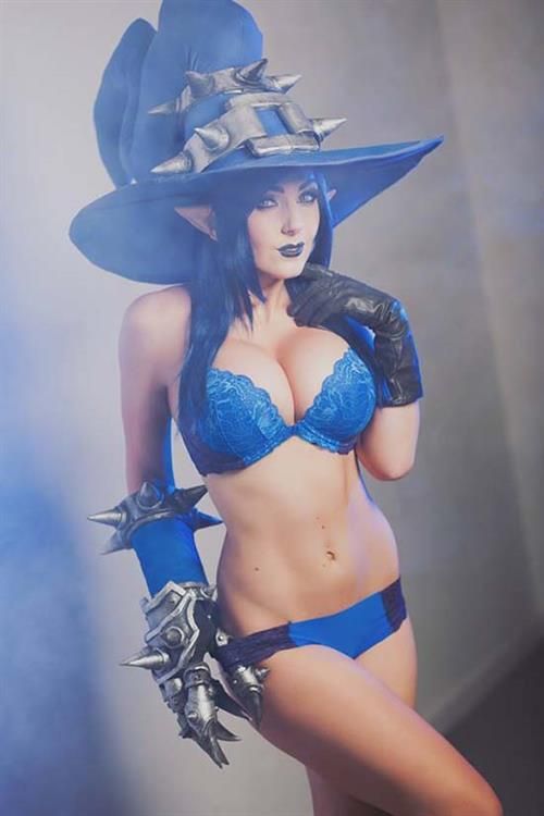 Jessica Nigri as Veigar
