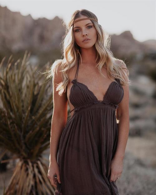 Carly Lauren
