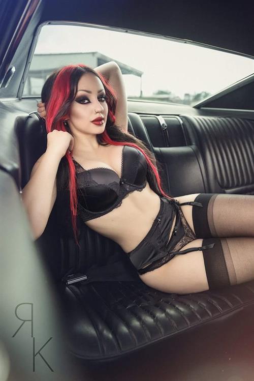 Dani Divine