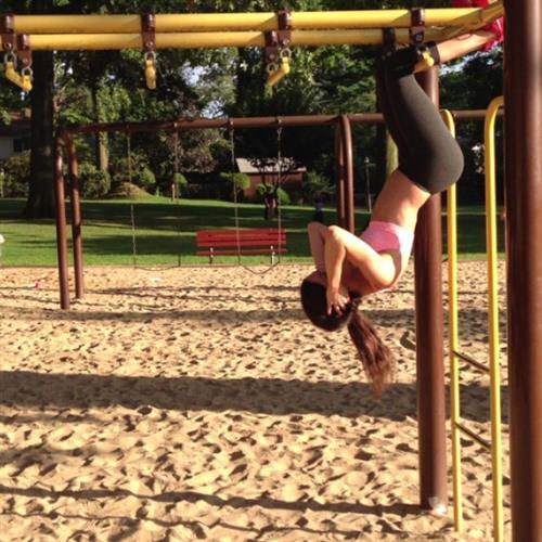 Jen Selter in Yoga Pants