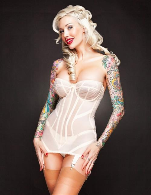 Sabina Kelley in lingerie