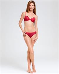 Heide Lindgren in lingerie