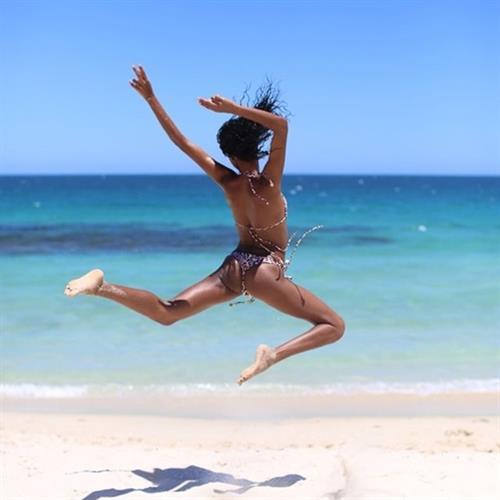 Ariela Oliveira in a bikini - ass