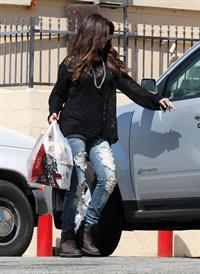 Selena Gomez in Encino - August 24, 2012