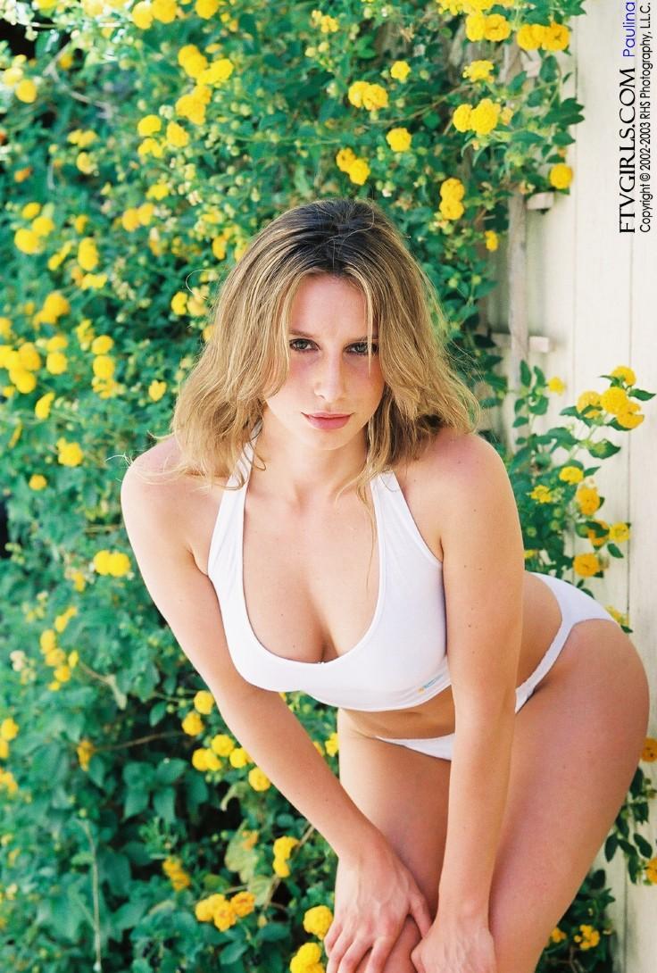 Paulina Presley in lingerie