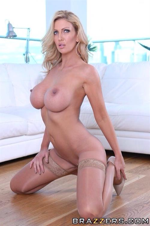 Leigh darby naked