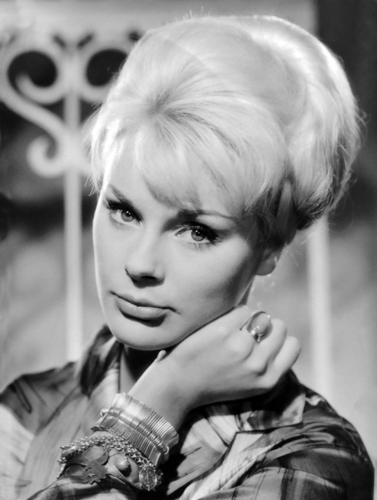 Elke Sommer Nude - 9 Pictures: Rating 8.04/10