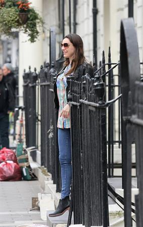 Kelly Brook leaving her home in London 4/8/13