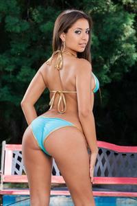 Jynx Maze in a bikini - ass