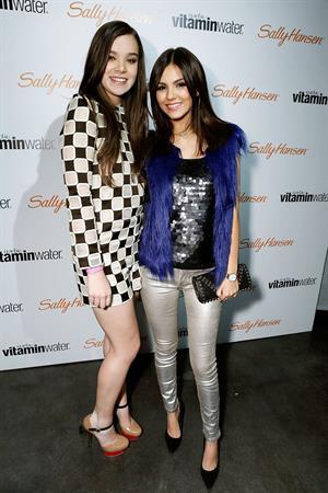 Victoria Justice Rolling Stone Lounge & Restaurant in LA 12/17/12