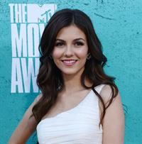 Victoria Justice - MTV Movie Awards at Universal Studios, Arrivals - June 3, 2012