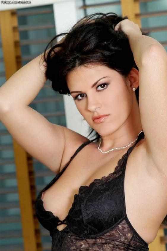 Nikki Lauren in lingerie