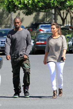 Kim Kardashian and Kanye West shop in Beverly Hills 11 August 2012