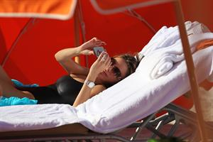 Sofia Vergara - beach candids in Miami 1/2/13