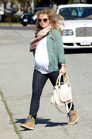 Kristen Bell - Running errands in Los Angeles on February 27, 2013