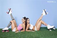 WWE's identical twin hotties