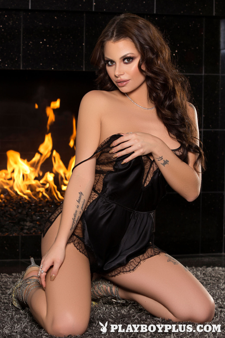 Playboy Cybergirl - Shelly Lee Nude staying warm by the fire for Playboy Plus!