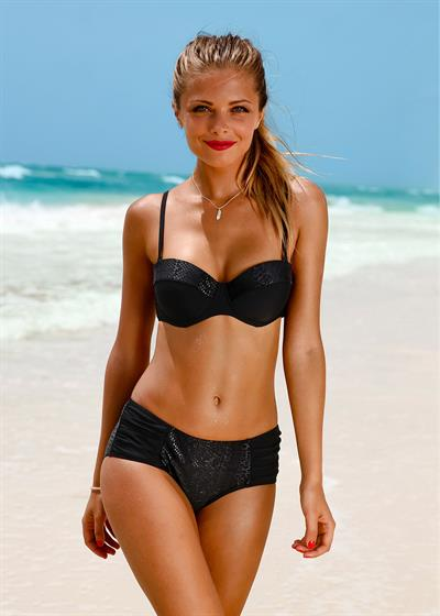 Giselle Reyes in a bikini