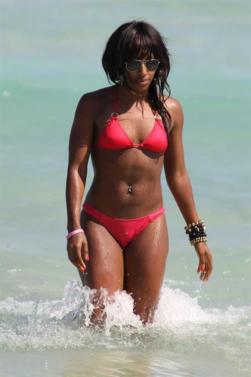 alexandra-hill-bikini