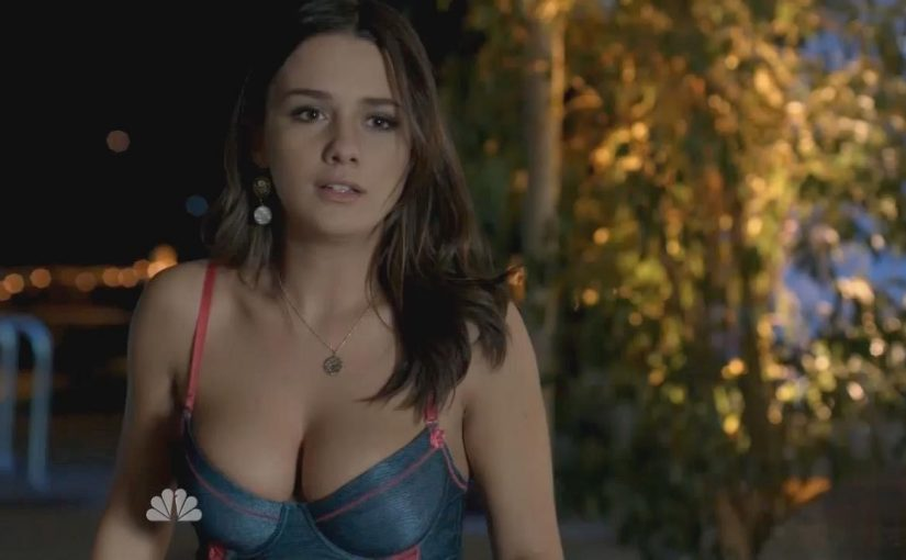 Addison Timlin Pictures in an Infinite Scroll - 10 Pictures