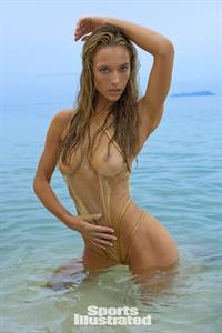 Hannah Ferguson for Sports Illustrated Swimsuit Edition 2017